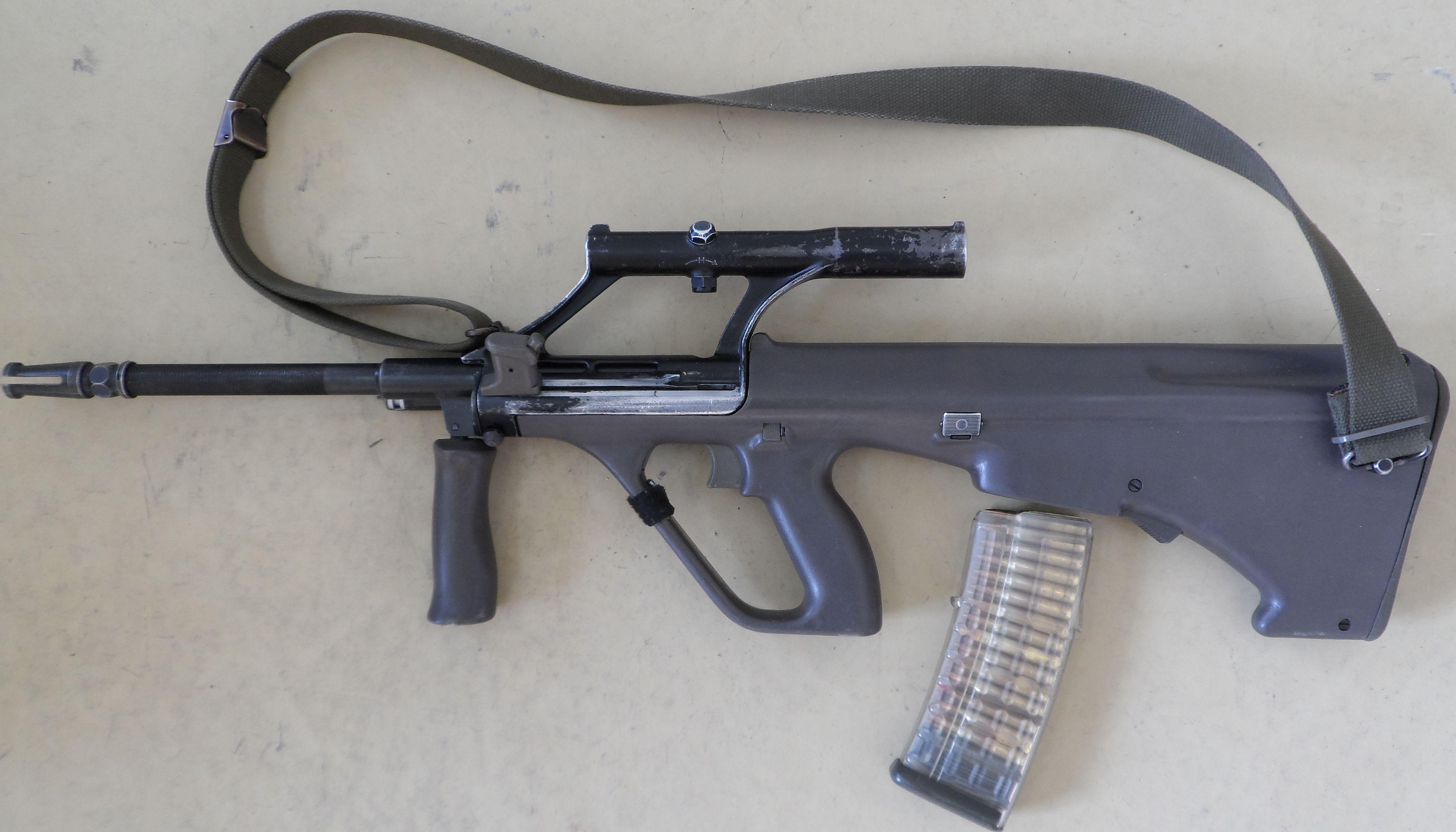 El AUG es un fusil de origen...