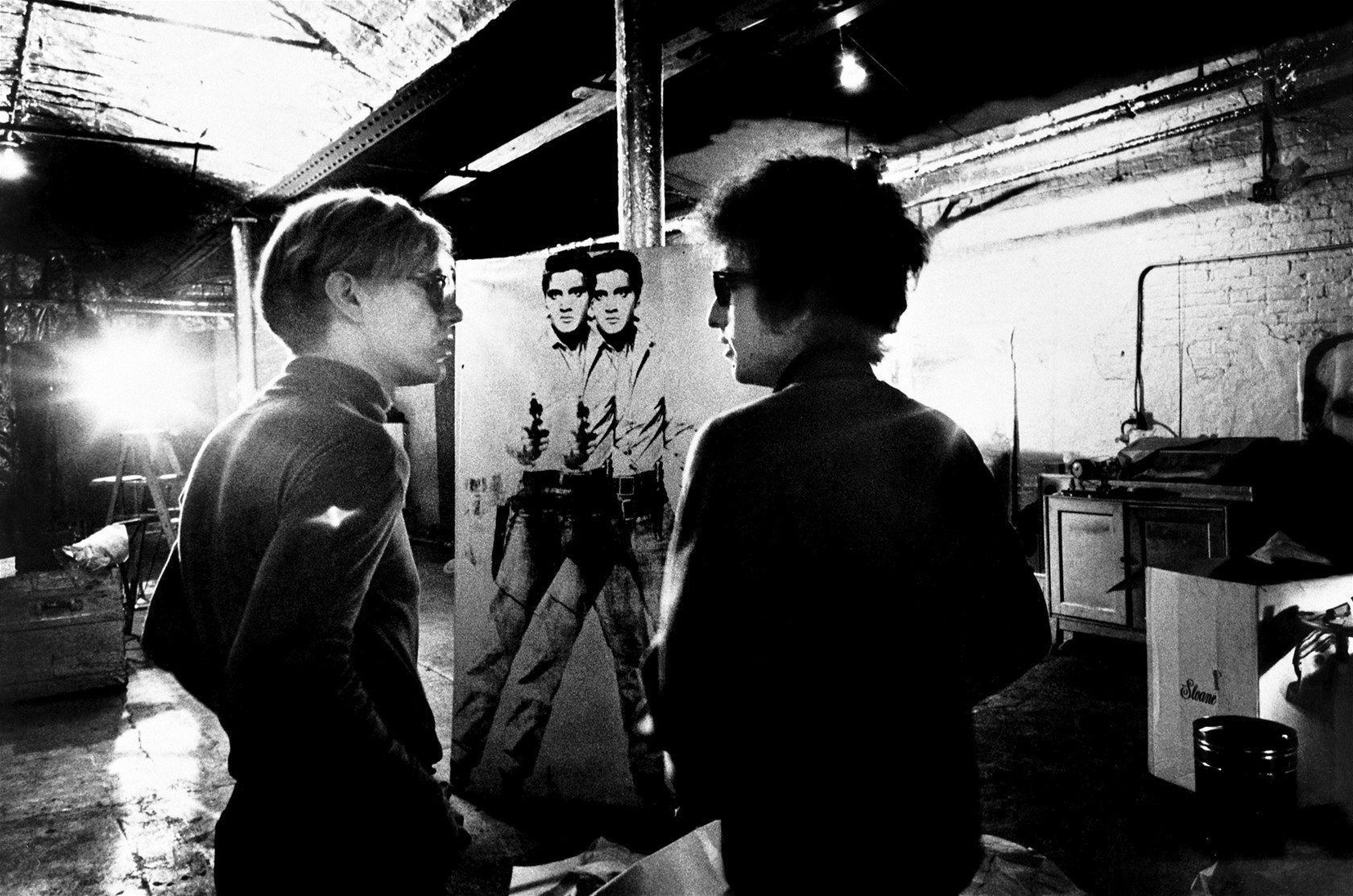 ¿Cómo se llamó la musa de Andy Warhol cuya relación con Dylan provocó ligeros conflictos entre ellos?
