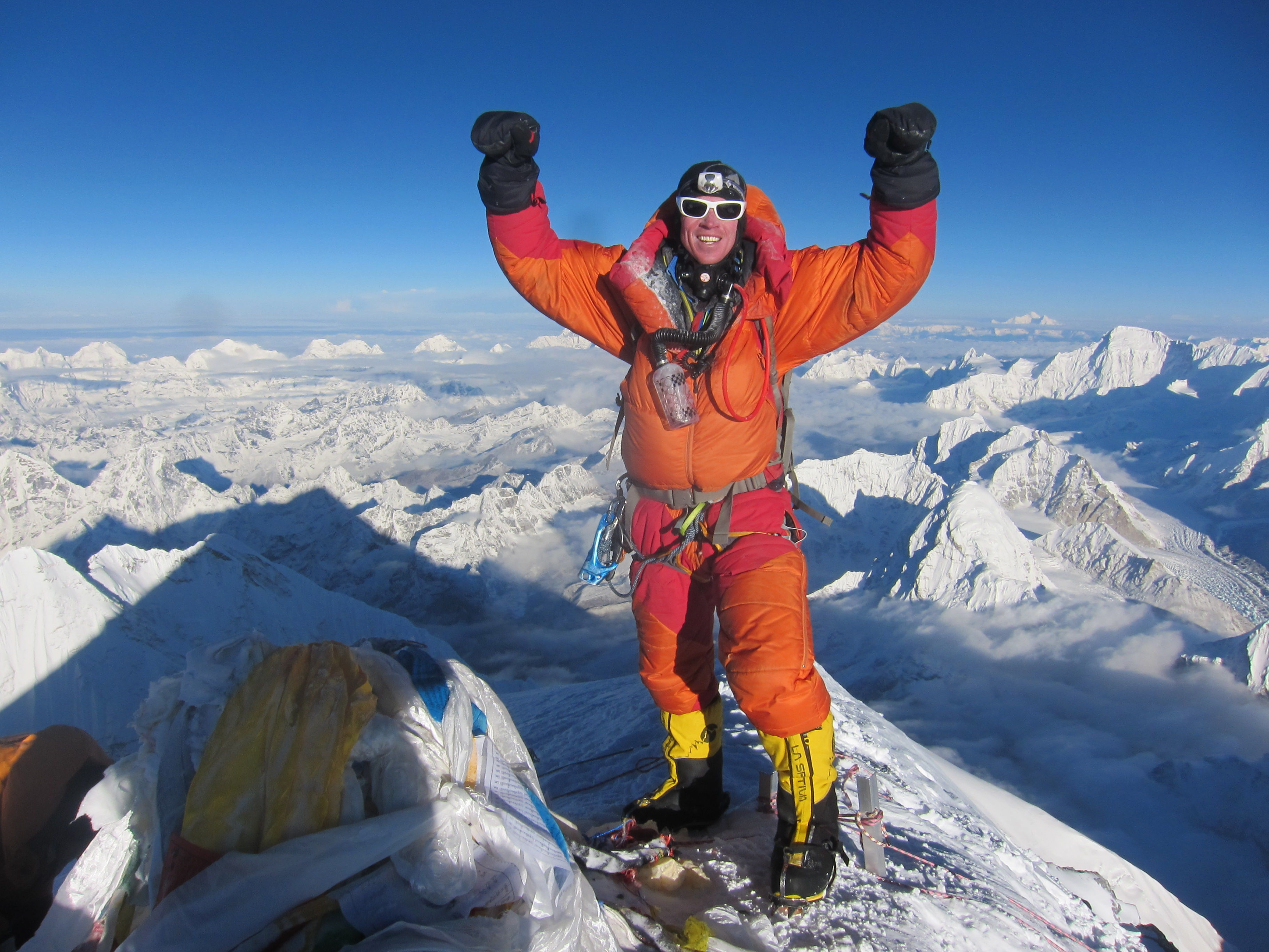 ¿Qué gasto económico se tiene que hacer para poder subir al Everest?