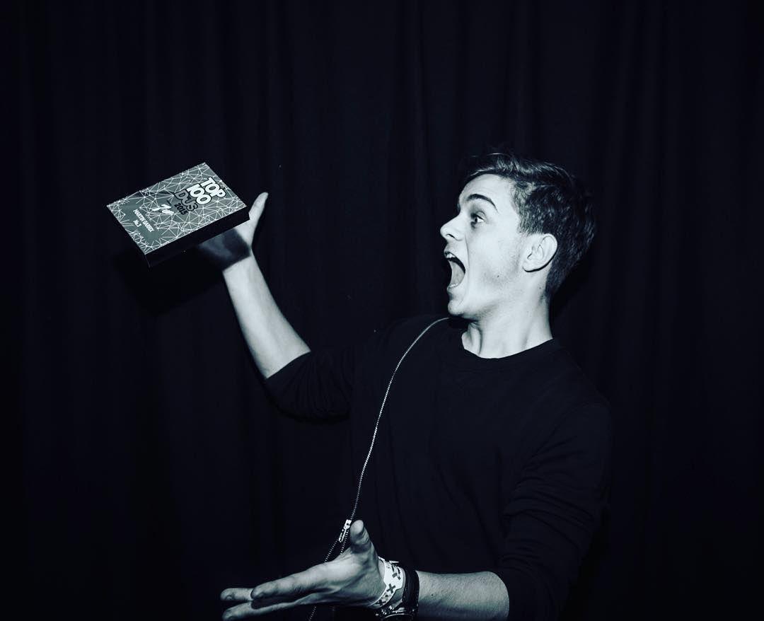 Y por último, ¿En qué famoso festival Martin Garrix recibió el premio al DJ #3 del mundo?