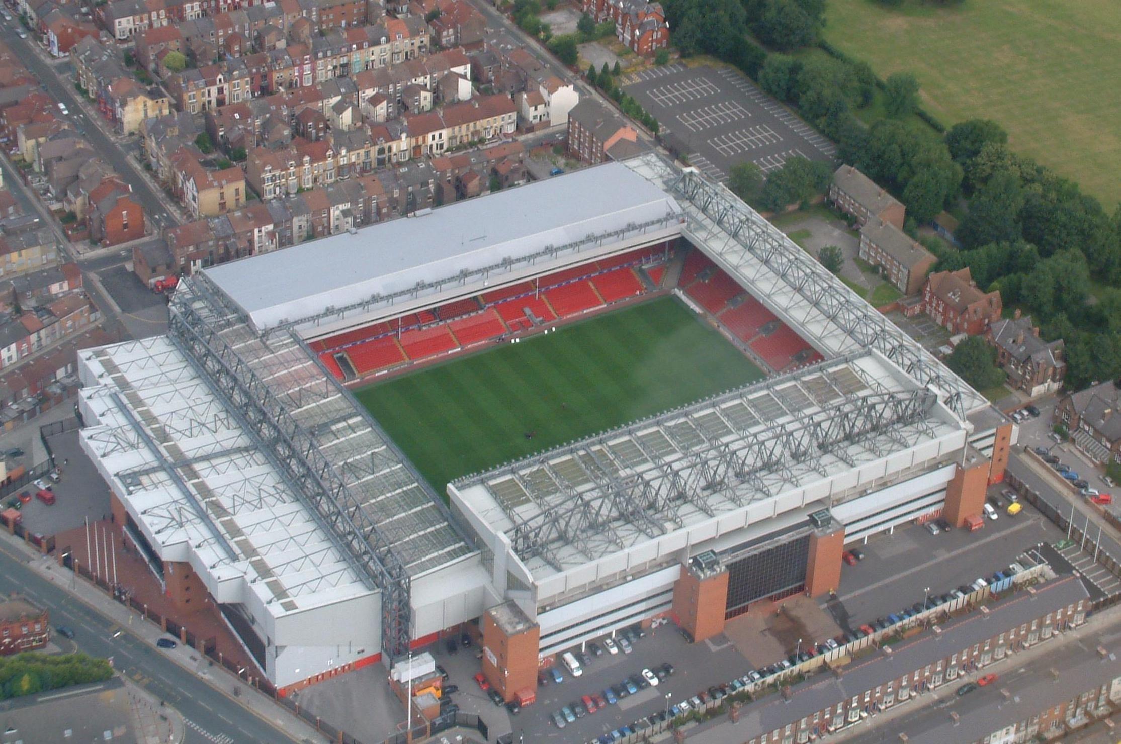 ¿Quién juega en Anfield?