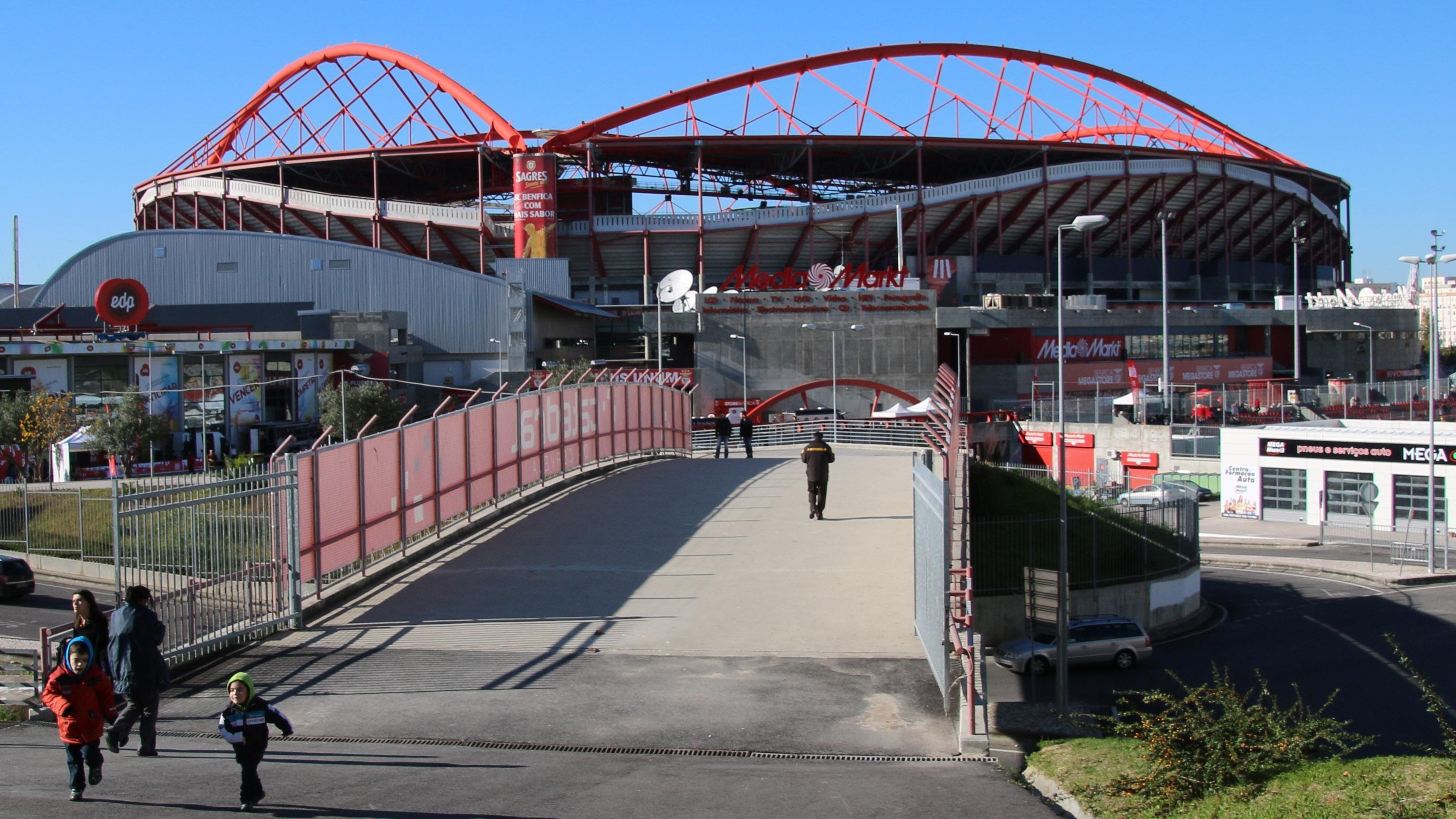 ¿Quién juega en el Estádio da Luz?