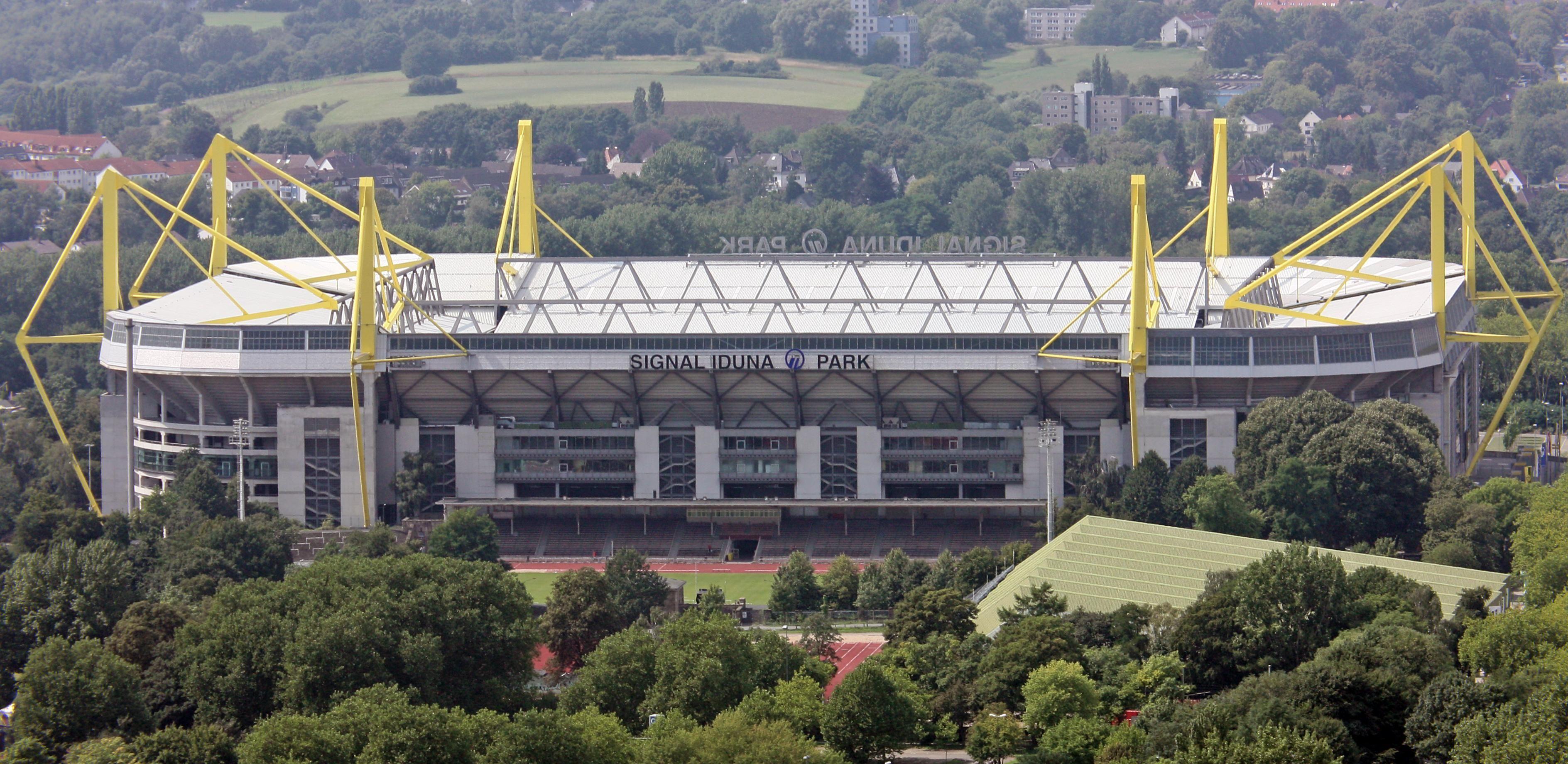 ¿Quién juega en El Signal Iduna Park?