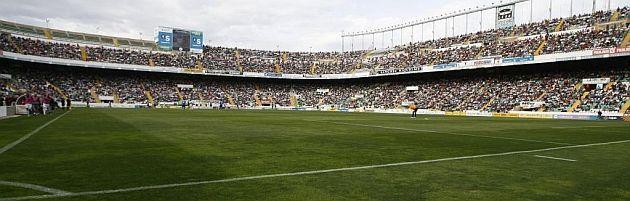 ¿Cuál es el estadio más pequeño de 1a Divisón?