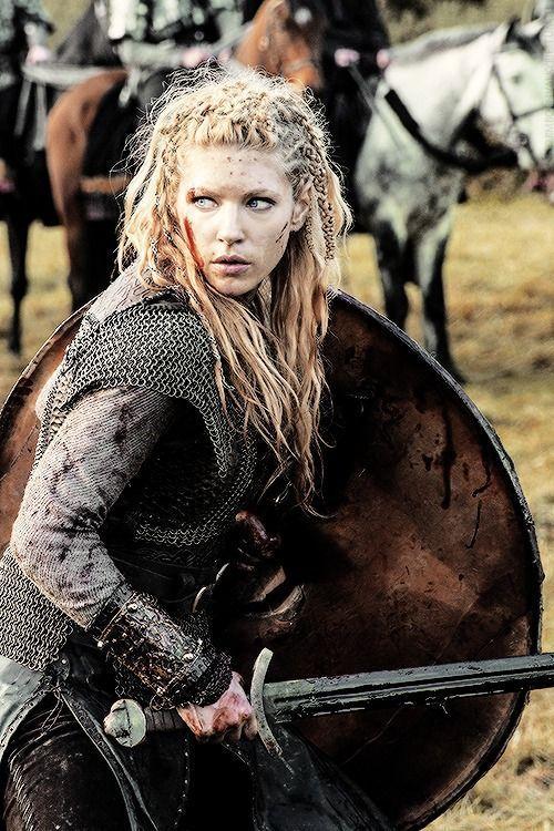 ¿Qué nombre recibían las mujeres guerreras?