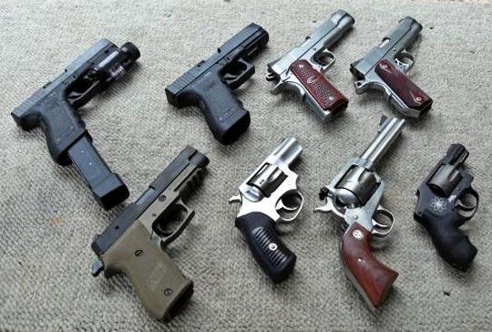 ¿Cuál de estas pistolas es de 9mm?