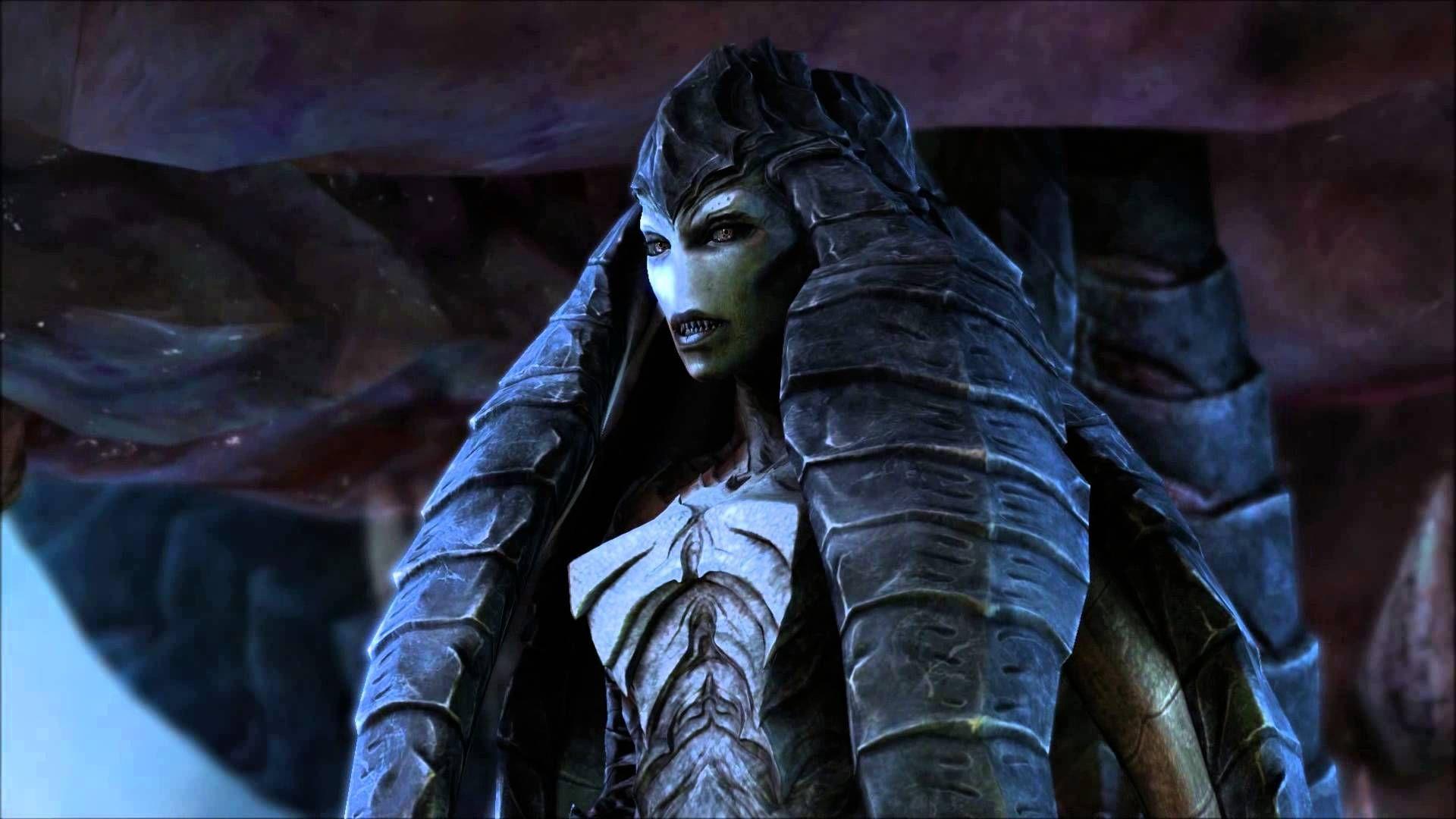 Durante la trama de Heart of the Swarm Kerrigan tiene una ayudante (Izsha) cuya antigua identidad humana era: