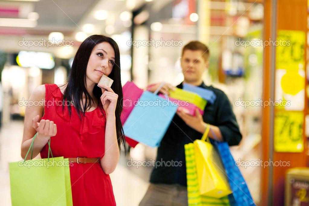 ¿Cuando vas a comprar, prefieres ir solo o acompañado?