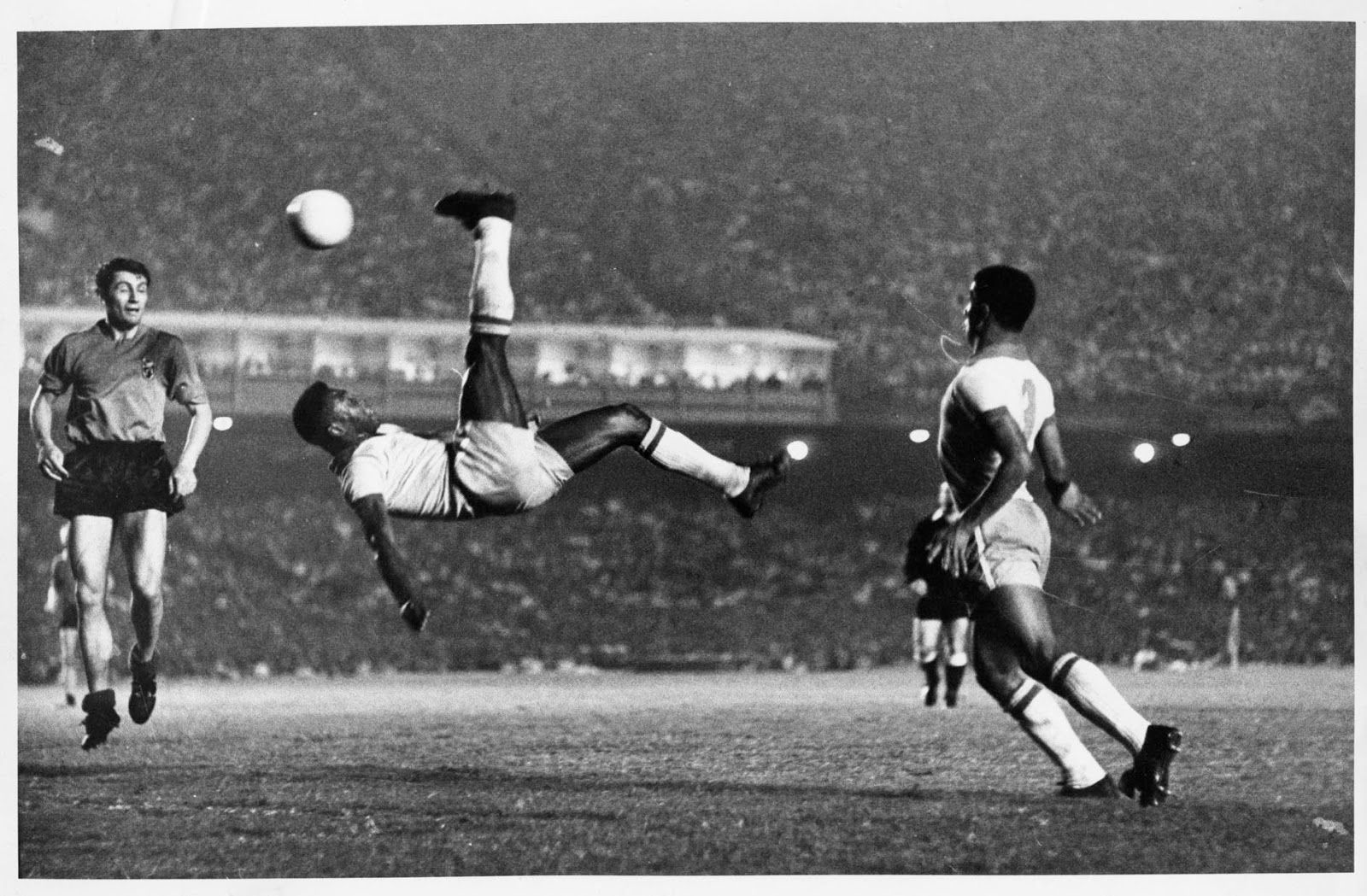 Vamos con algo de fútbol ¿Cuántas veces Brasil fue sede de la copa del mundo? ¿En que año/os?