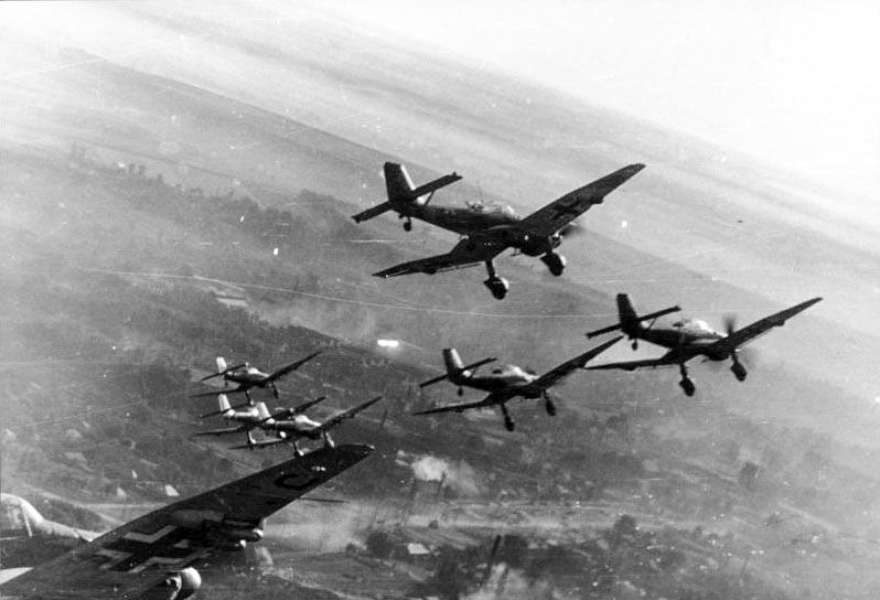 La temida fuerza aérea alemana, causante de grandes bombardeos y muchas víctimas militares y civiles. ¿Cómo se llamaba?