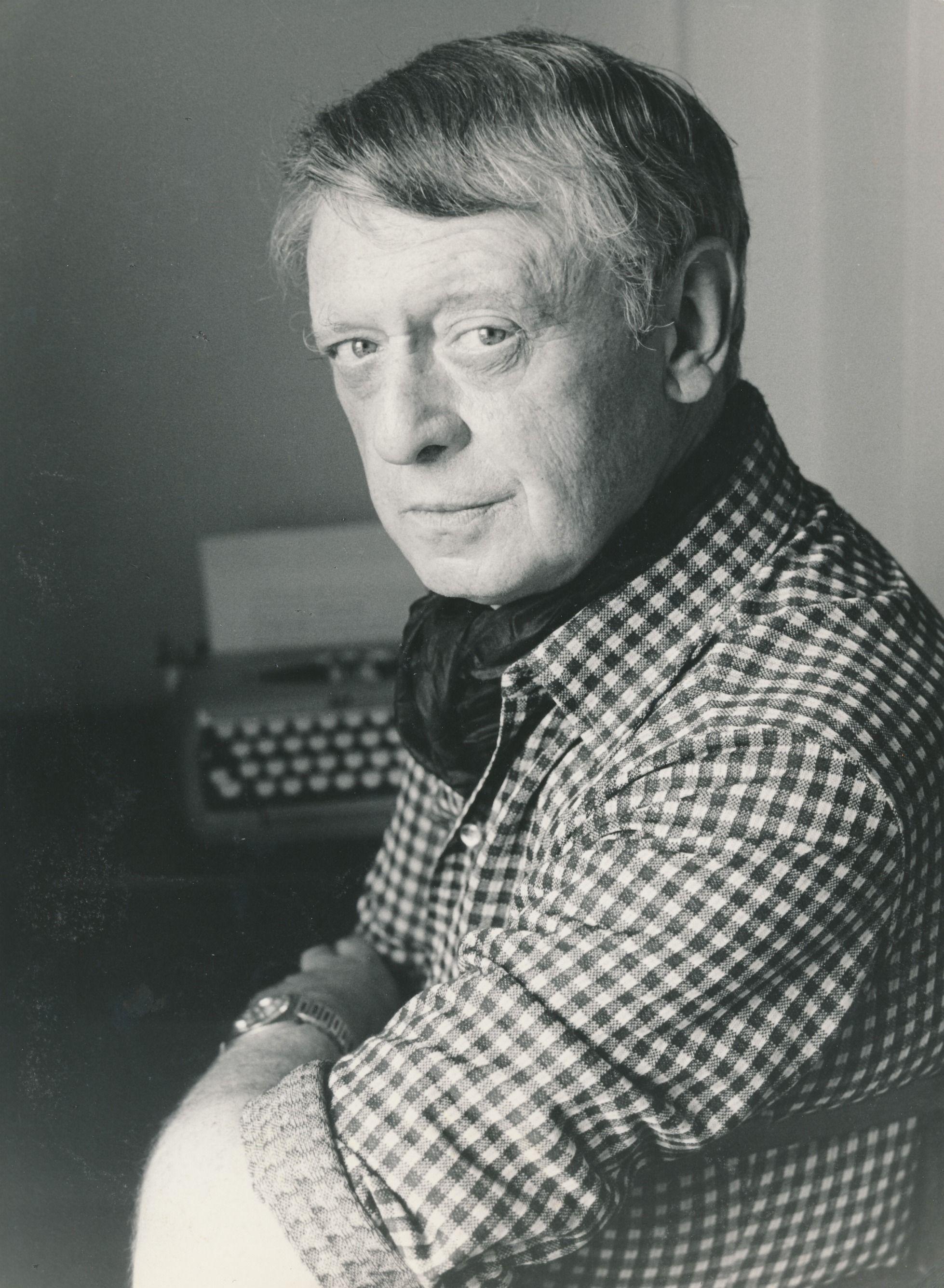 (Bromas fuera) ¿Qué terrible desgracia inspiró a Burgess para escribir la Naranja Mecánica?