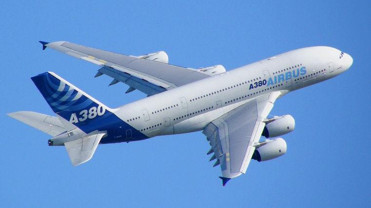 ¿Cuál es la aerolínea en la actualidad con más aviones del modelo A-380 incorporados en su flota?