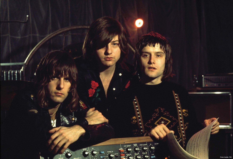 ¿Qué instrumentos tocaban Emerson, Lake & Palmer respectivamente?
