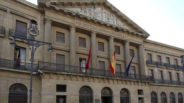 Una más actual. ¿Quién es el/la presidete/presidenta del Gobierno de Navarra actualmente (2016)?