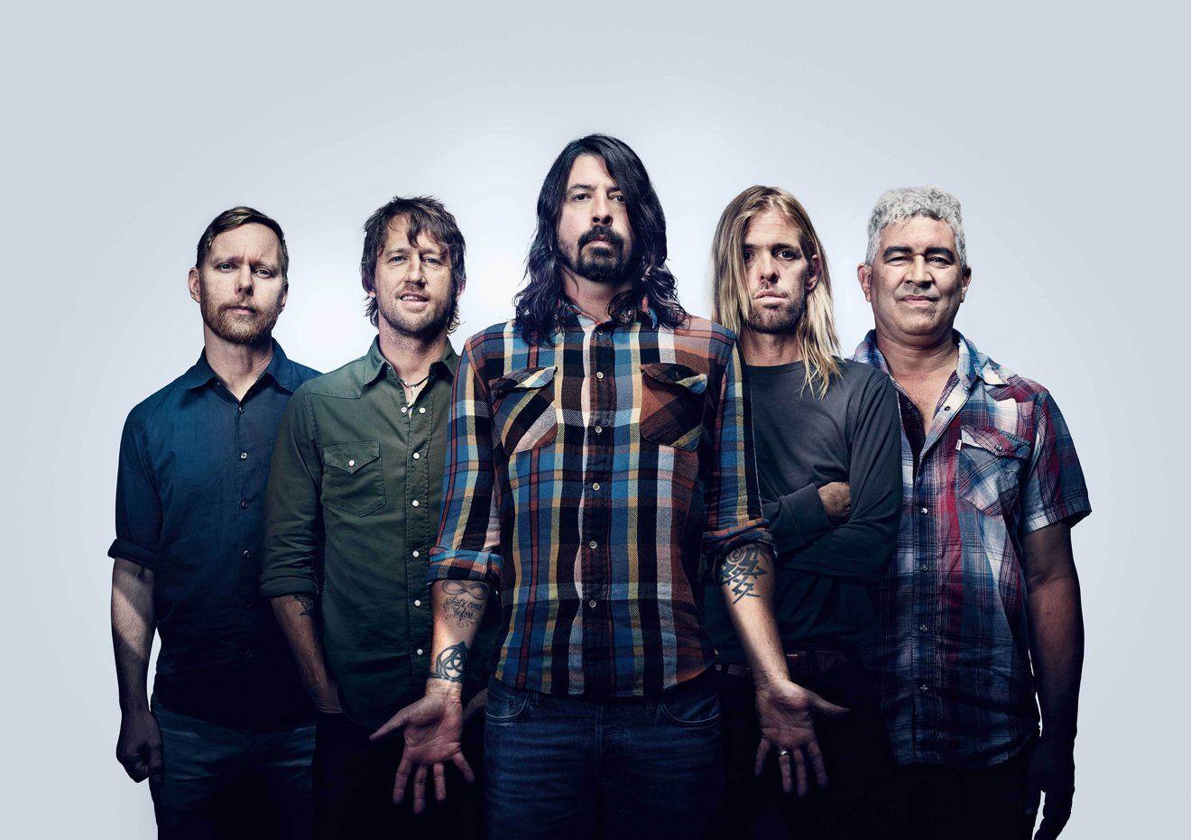 Aparte de Dave Grohl, ¿quiénes integran la banda actualmente?