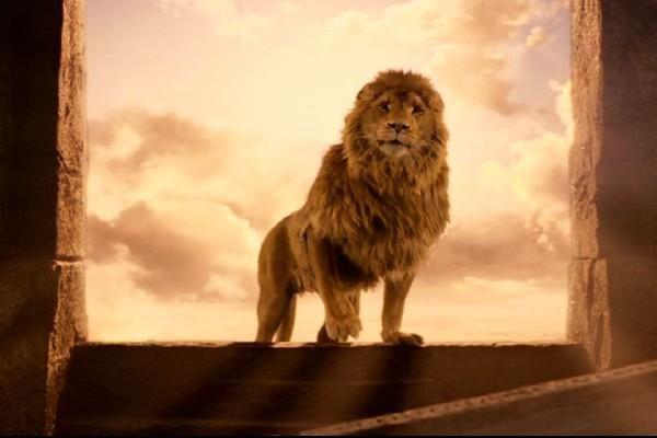 Tras sacrificarse, la mañana siguiente Aslan vuelve a la vida. ¿Por qué?