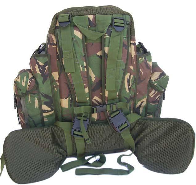 Terminas de hablar con Jake. Tras pensártelo mucho decides preparar una mochila con cosas útiles para el futuro...