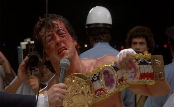 ¿Qué frase grita Rocky dedicada a su mujer cuando vence a Apollo en Rocky II?