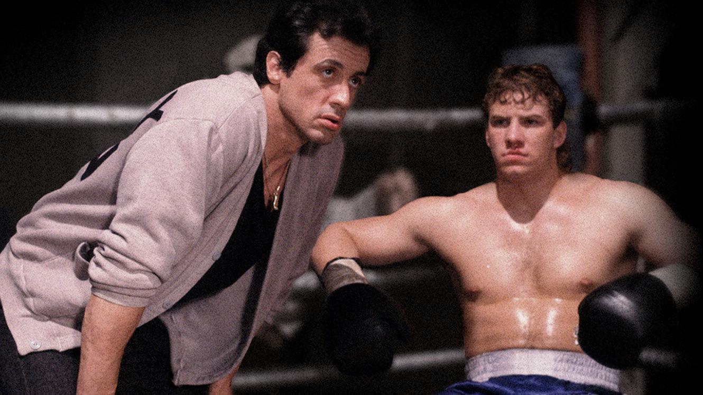 ¿Cómo se llama el joven al que entrena Rocky en Rocky V?