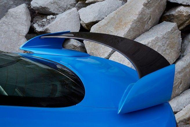 ¿Qué función hace un alerón/spoiler trasero en un coche?