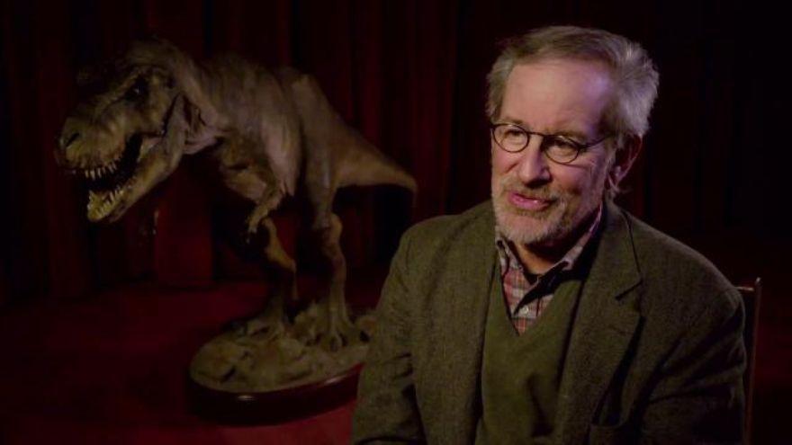 Al principio ¿cómo quería Spielberg que estuviesen recreados los dinosaurios para Jurassic Park?
