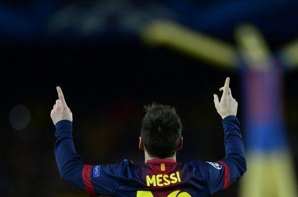 ¿Actualmente, cuántos goles lleva Messi en el F.C Barcelona entre todas las competiciones?