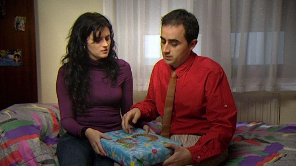 Más dificil: En la primera temporada, después de salir con Nuria, ¿con quién empezó a salir Borja?
