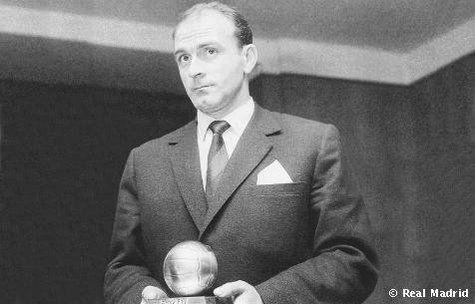 ¿Contra qué equipo metió Alfredo Di Stéfano su último gol antes de ganar su primer Balón De Oro?