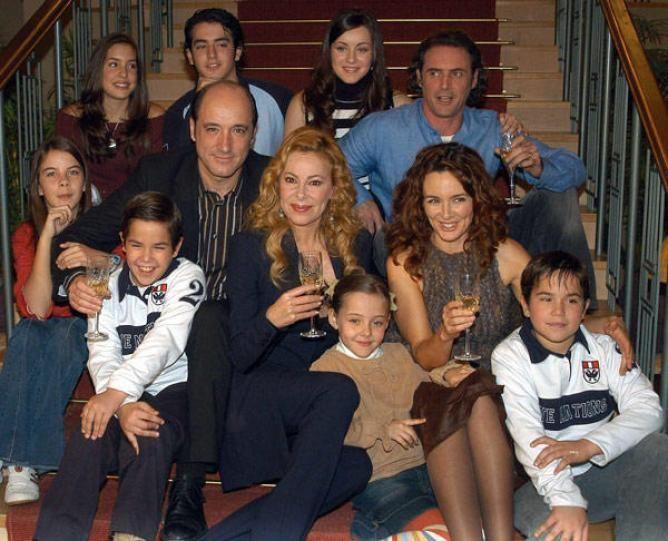 ¿Qué problema tenía la hija pequeña de Don Fernando, Lucía, en la serie