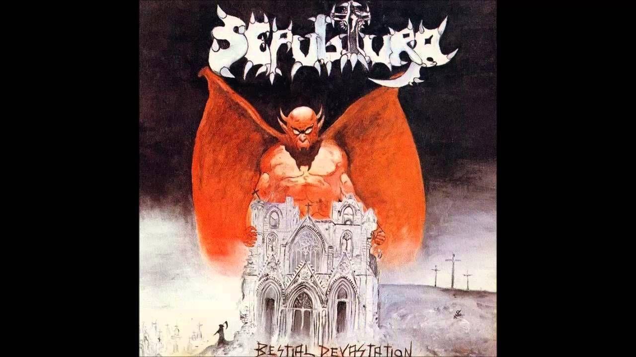 ¿Qué canción de su 'Bestial Devastation' cambió de nombre Sepultura haciendo alusión a la policía en un directo?