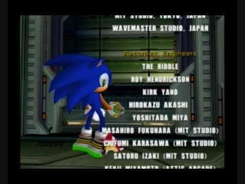 En la escena final del Sonic Adventure 2, ¿cómo despide Sonic a Shadow tras su desaparición?