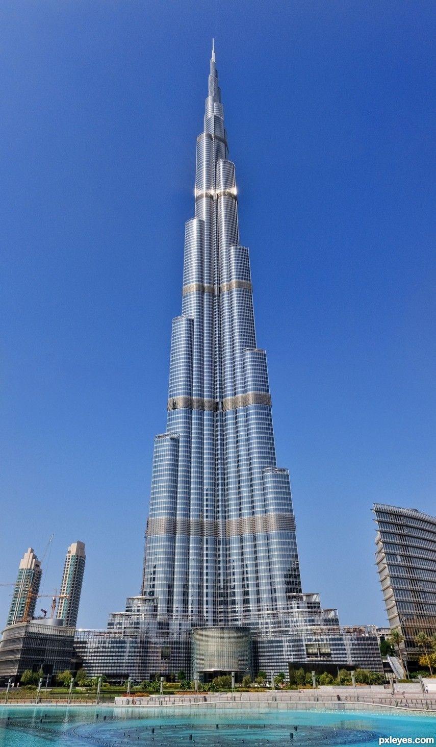 ¿Cuál es la altura total del Burj Khalifa?