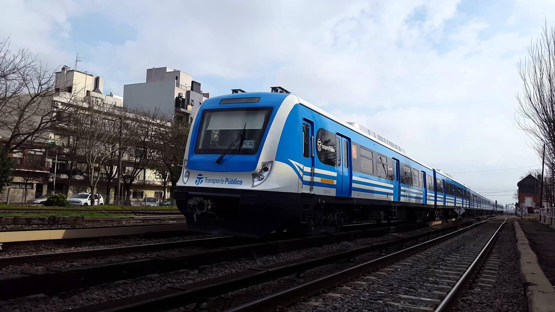 ¿Hacia dónde se va el humo de un tren eléctrico si va de Norte a Sur?