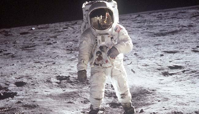 ¿Qué nombre recibió la misión de llevar al hombre a la luna?