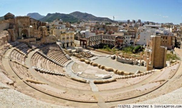 ¿Dónde se encuentra el Teatro Romano?