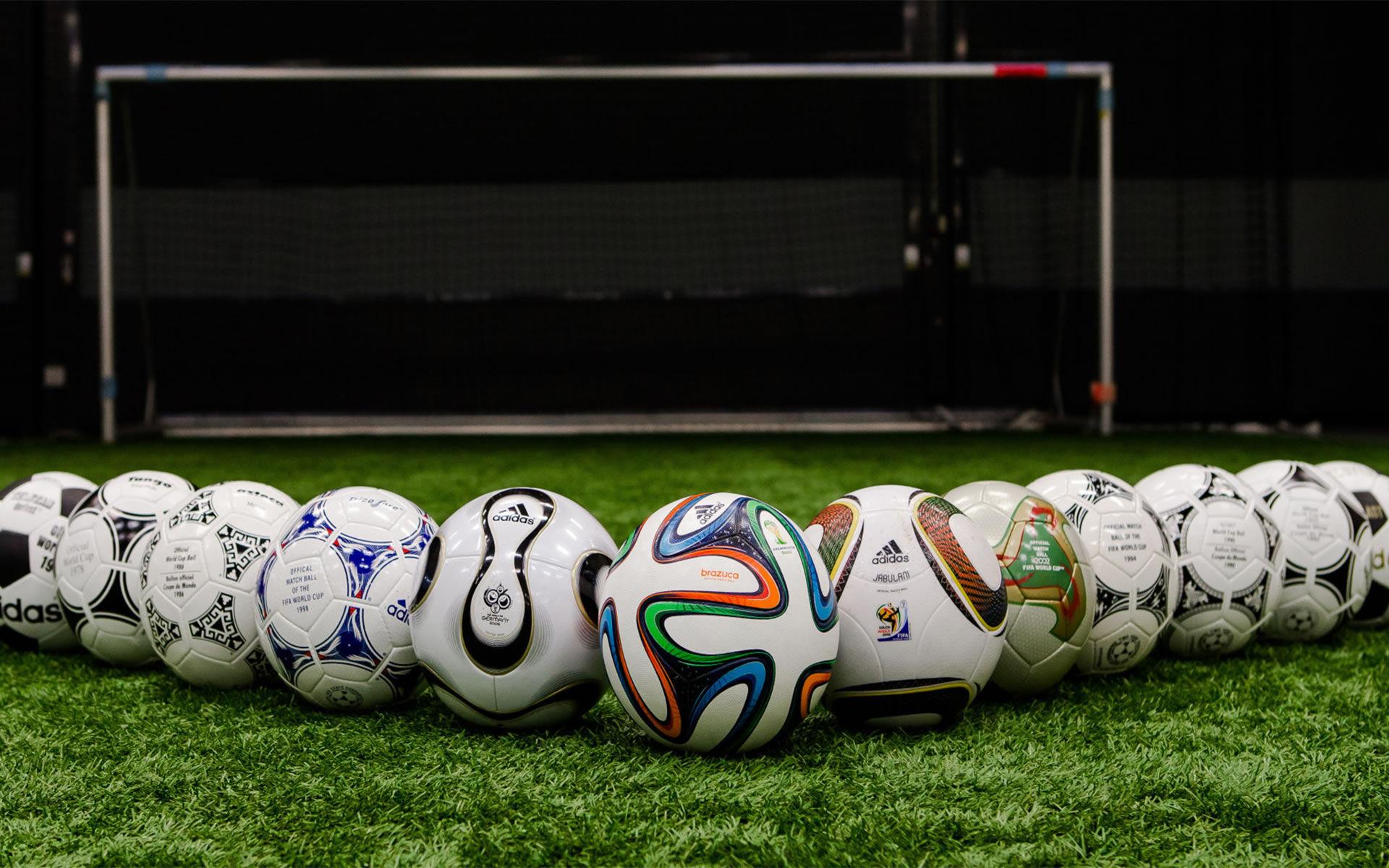 6520 - ¿Sabes de balones de fútbol?