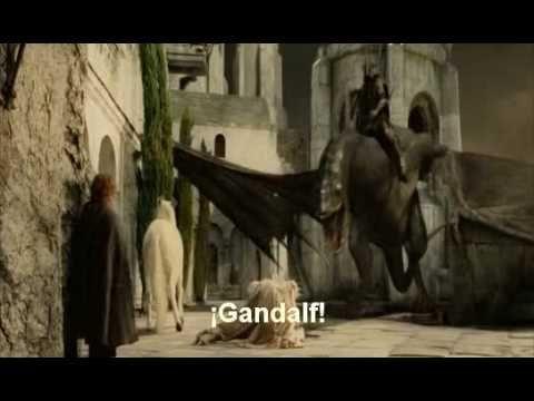 ¿Qué hubiera pasado si el Rey Brujo de Angmar se hubiera quedado con Gandalf en la llegada de los Rohirrim a Minas Tirith?