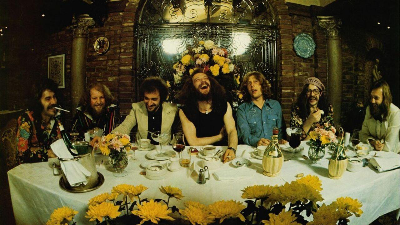 ¿Cuál de estos subgéneros del Rock no hay que incluir en la banda Jethro Tull?