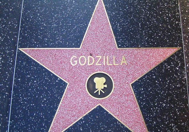 ¿En qué año consiguió su estrella en el paseo de la fama de Hollywood?