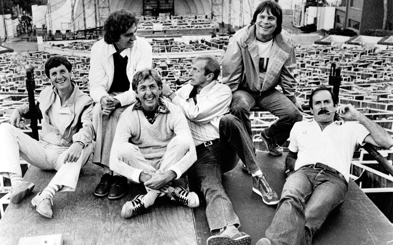 La última. ¿Qué famosa cancion de los Monty Python fue nominada a la mejor cancion?