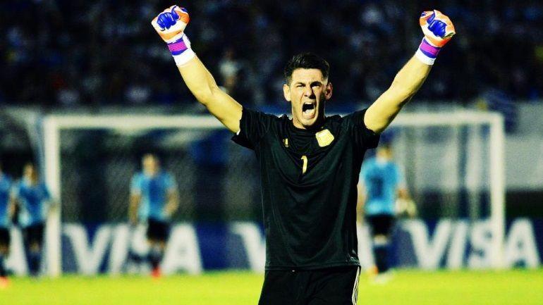 Siguiendo con porteros, Augusto Batalla fue pretendido por grandes equipos. ¿En qué club juega?
