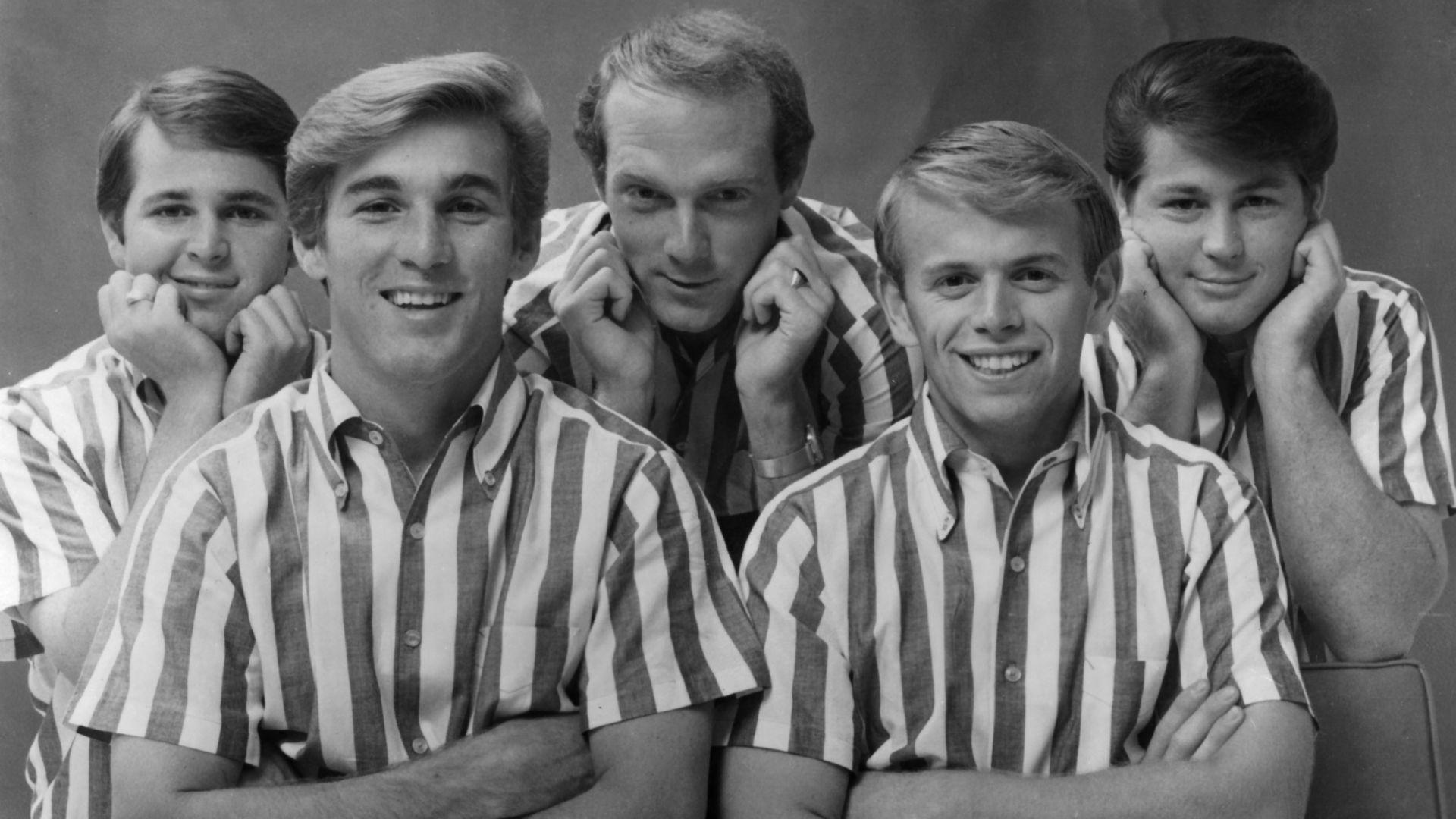 ¿Cuál de estos Beach Boys no es uno de los hermanos Wilson?