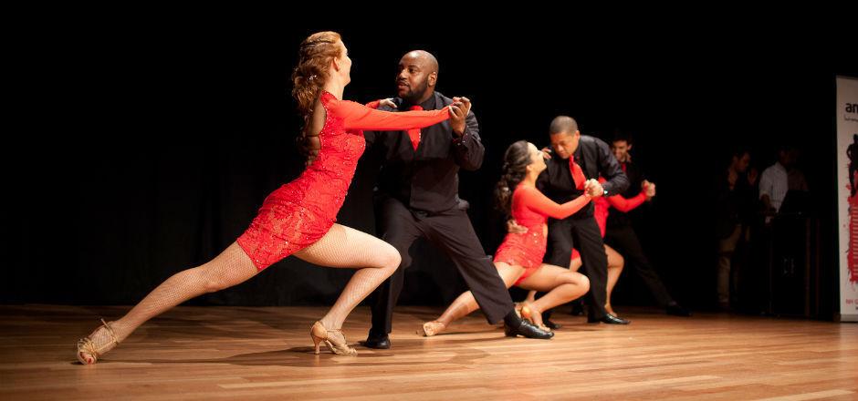 ¿Qué ciudad colombiana se caracteriza por su música y su arte en la Salsa?