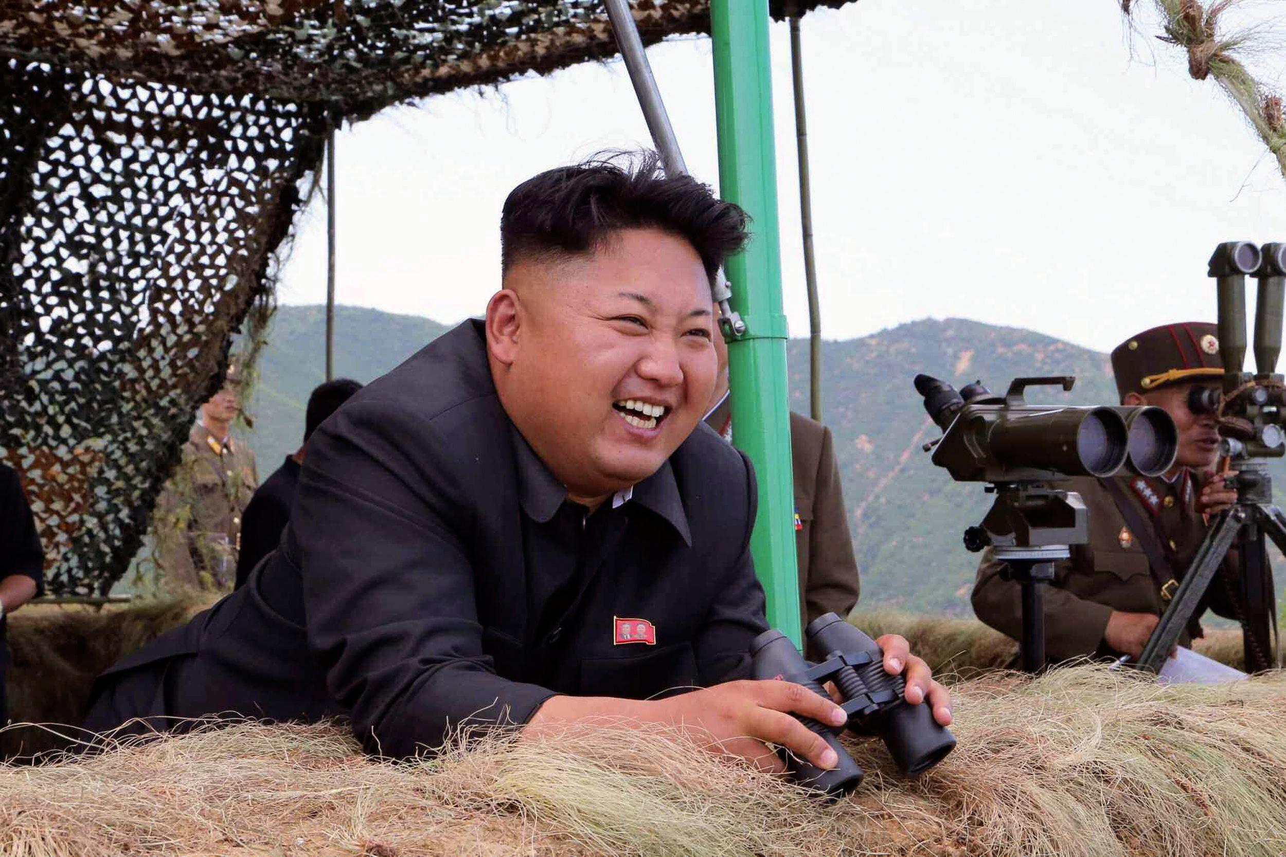 Esa misma semana Kim Jong-Un se ha vuelto loco y a tirado bombas nucleares por todo el mundo (incluso a sí mismo).