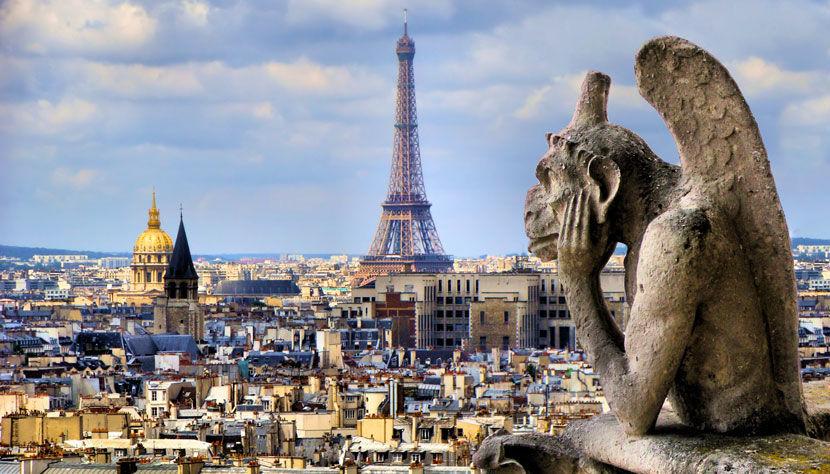 ¿Cuántos metros (Aprox) tiene la torre Eiffel?