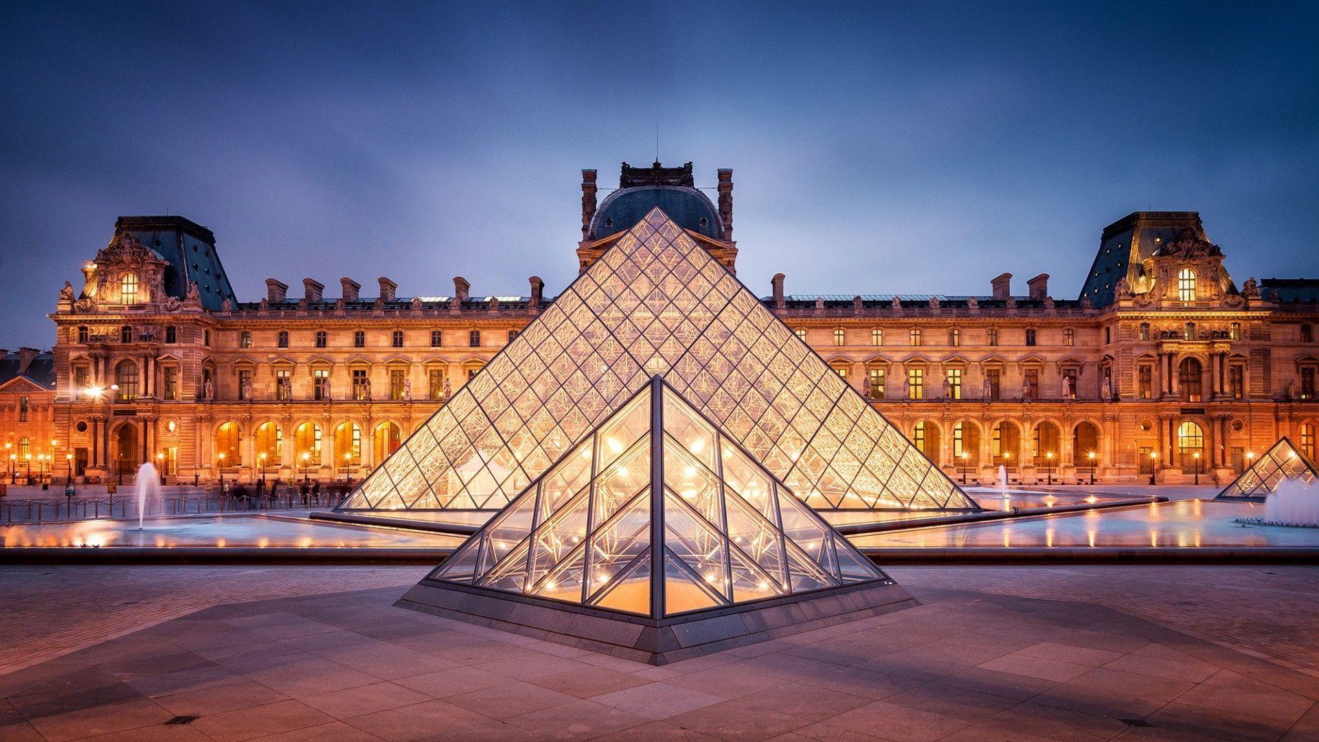 El museo del Louvre, ¿tiene esculturas precolombinas?