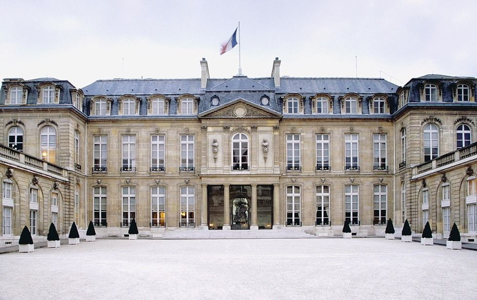 El presidente de la república francesa reside en este palacio...