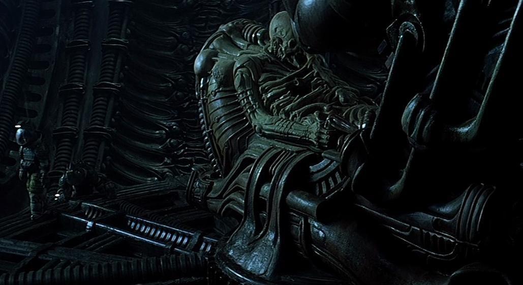 ¿Cómo fueron llamados los seres fosilizados de la primera nave Alien, antes de que Prometheus los llamara ingenieros?
