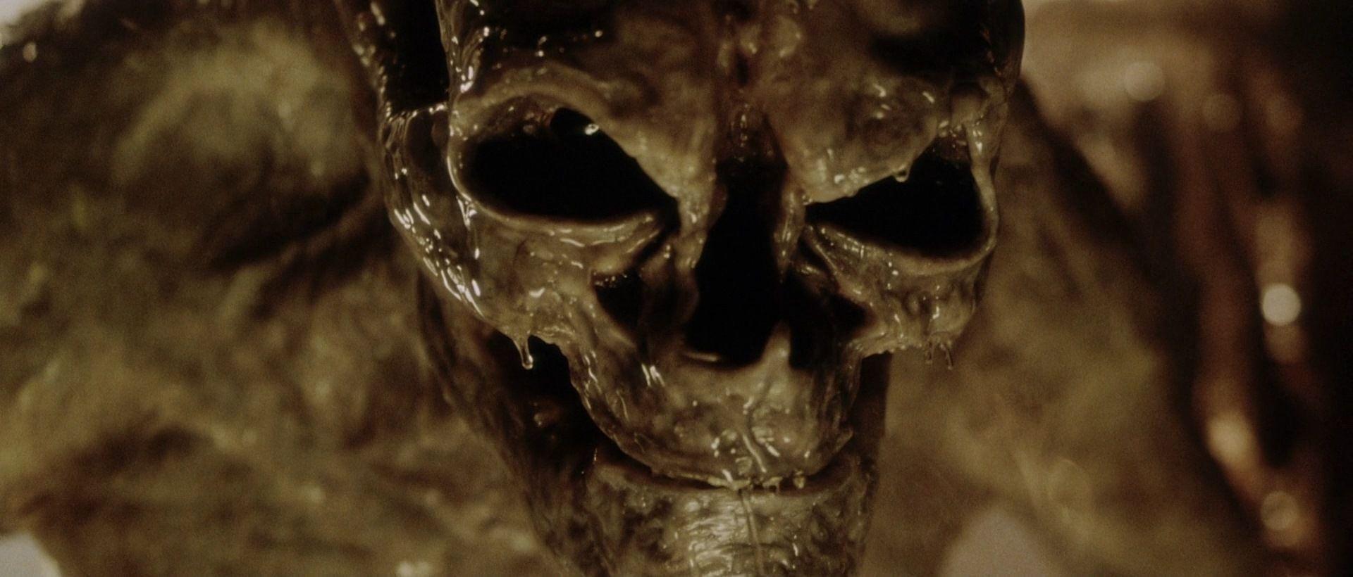 ¿Cómo muere el recien nacido en Alien: Resurrección?