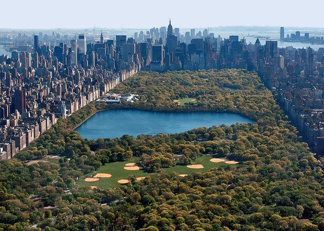 Central park tiene este numero de lagos/lagunas en su interior